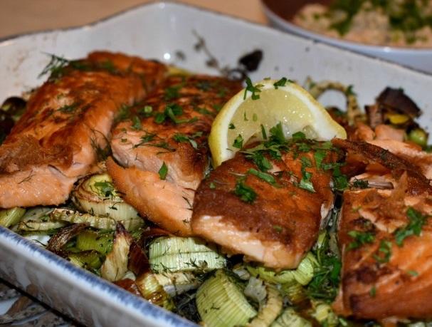 Crispy Salmon With Roasted Leeks and Fennel